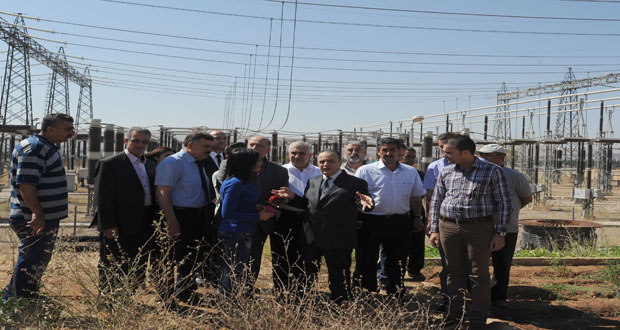 Electricity Minister tours power institution in Damascus Countryside