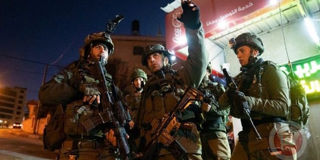 The occupation forces arrest two Palestinians in Jenin