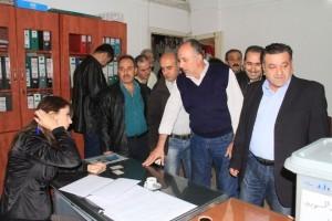 sirios afluyen a los centros de votacion 4