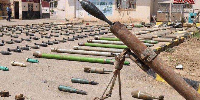 El Ejército halla armas y proyectiles de fabricación estadounidense de los restos de Daesh en Albukamal