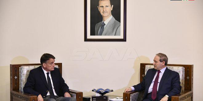 Siria mantendrá su apoyo a la UNRWA, afirma vicecanciller