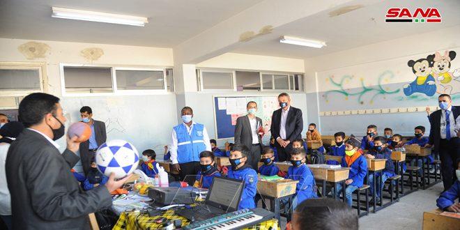 Comisionado General de la UNRWA visita campamentos palestinos de Yarmouk y Sbeineh cerca de Damasco