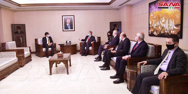 Al-Mekdad recibe las credenciales del jefe del Alto Comisionado de las Naciones Unidas para Asuntos de los Refugiados