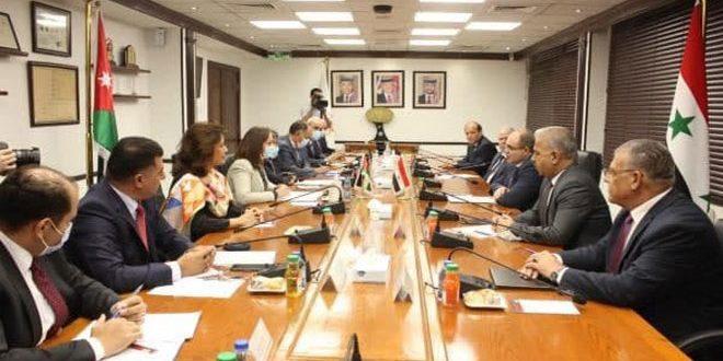 Siria y Jordania acuerdan desarrollar cooperación en campos de comercio, energía, agricultura, agua y transporte