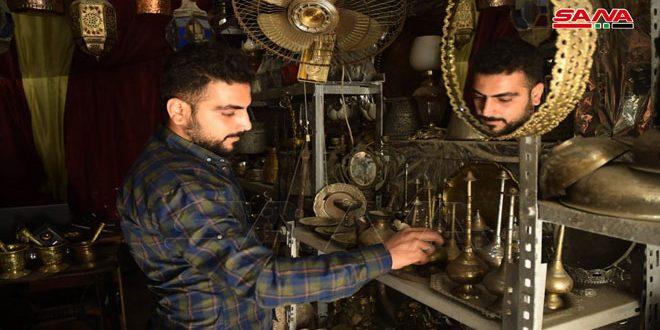 Ex soldado amputado preserva profesión ancestral de Siria