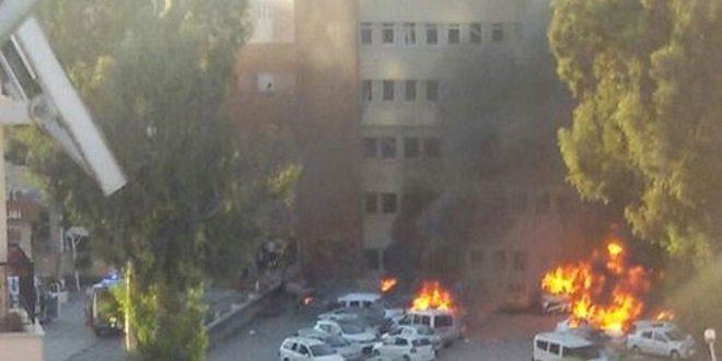 На юге Турции в результате теракта 2 человека погибли, 16 получили ранения