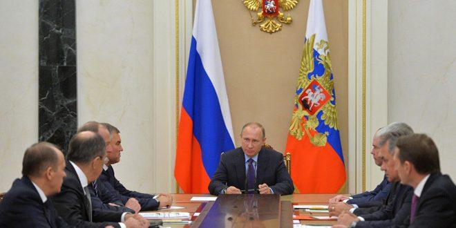 Путин обсудил с членами Совбеза РФ ситуацию в восточном Алеппо