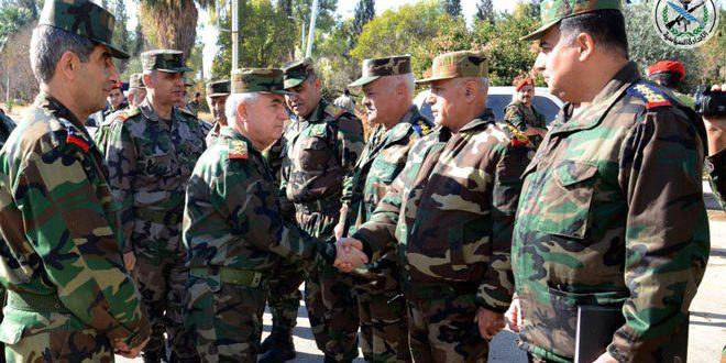 Начальник Генерального штаба армии и ВС САР генерал Айюб посетил армейские подразделения в городе и провинции Алеппо