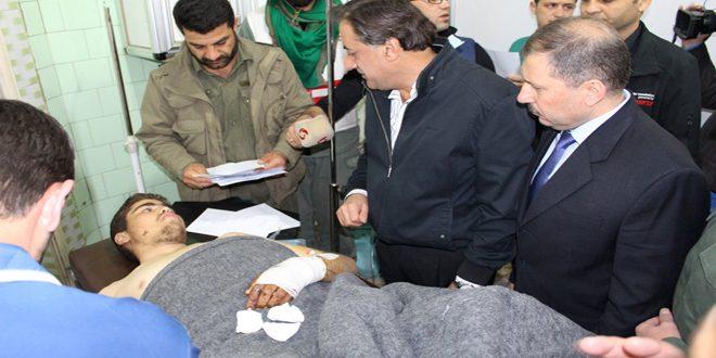 Губернатор провинции Алеппо и секретарь комитета ПАСВ посетили раненых и пострадавших жителей Кафреи и Аль-Фуа