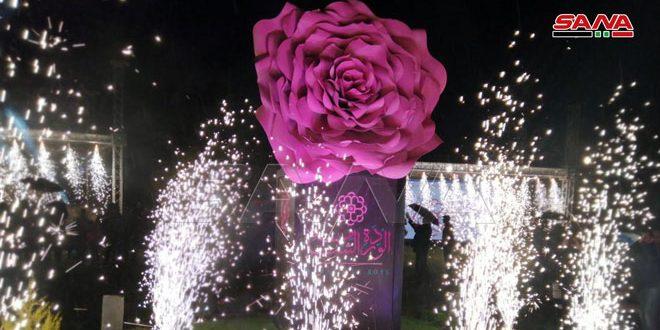 На площади Омейядов в Дамаске отмечают внесение дамасской розы в список нематериального наследия ЮНЕСКО (фото)