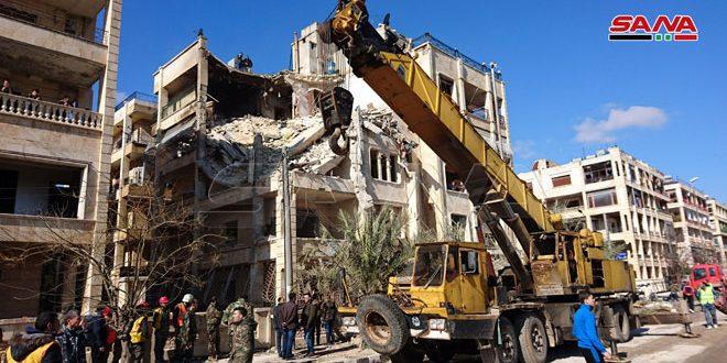 В Алеппо из-за террористического обстрела обрушилось 4-этажное здание