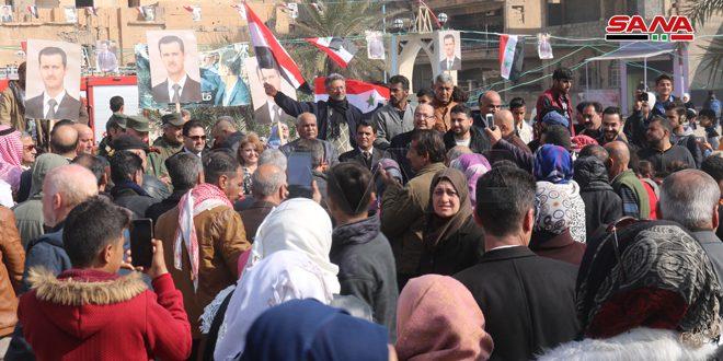 В Дейр-эз-Зоре отмечают победы Сирийской армии в Алеппо