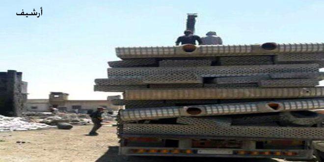 Террористы в Идлебе вытаскивают трубы из земли для перепродажи в Турции