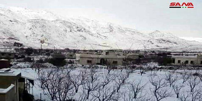 Снег в поселке Хадар на севере провинции Кунейтра