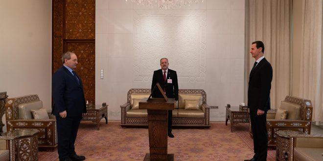 Esad'ın Önünde… Mikdat Dışişleri ve Gurbetçiler Bakanı Olarak And İcti