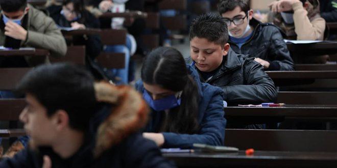 Suriye Bilimsel Olimpiyatları'nın İkinci Aşamasının Sınavlarına 1402 Kız ve Erkek Öğrenci Katılıyor