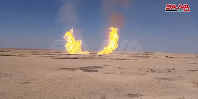 Deyrezzor kırsalında El-Cebse-El-Reyyan doğalgaz boru hattı, saldırıya uğrayıp alev aldı