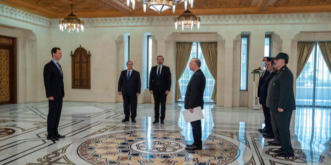 Cumhurbaşkanı Esad, İran ve Filistin'in Suriye Büyükelçilerinin Güven Mektuplarını Teslim Aldı