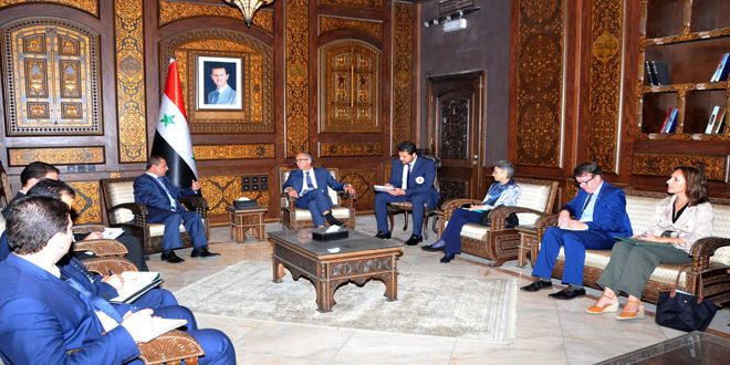 Al-Shaar discusses with Stillhart ICRC work in Syria