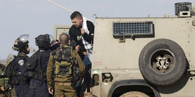 Israeli occupation forces arrest five Palestinians in West Bank