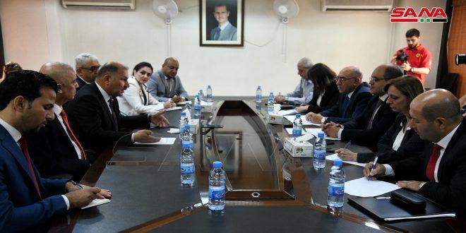 Syria, Iraq discuss mechanisms of developing trade exchange