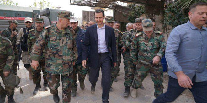 El presidente al Assad se reúne con soldados del Ejército en Guta oriental