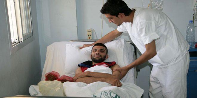 Médicos voluntarios hacen tratamiento gratuito a las familias de mártires y heridos