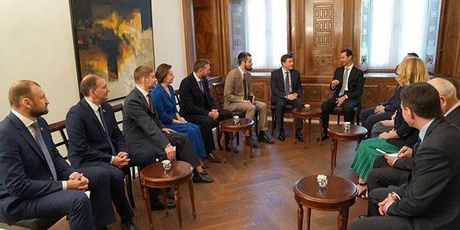 El presidente al Asad recibe una delegación rusa
