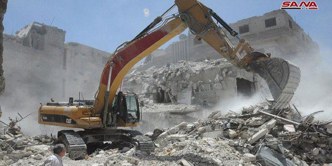 Remoción de escombros en la ciudad de Harasta