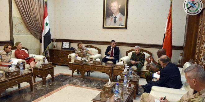 Ministro de Defensa se reúne con comandantes del FNUOS y el ONUVT