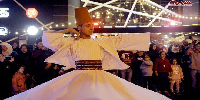 Celebraciones con motivo del natalicio del Profeta Mahoma en el barrio damasceno al-Midan