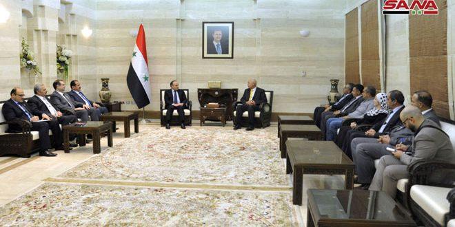 Khamis: interés del gobierno sirio de promover las relaciones con bases populares árabes