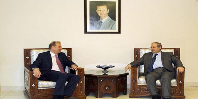 Vicecanciller sirio recibe al nuevo jefe de la misión del CICR en Damasco