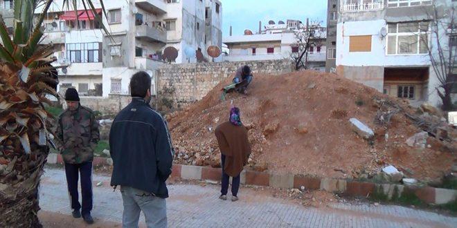 Una granada enterrada en un parque en Yableh se estalla y se cobra la vida de dos niños