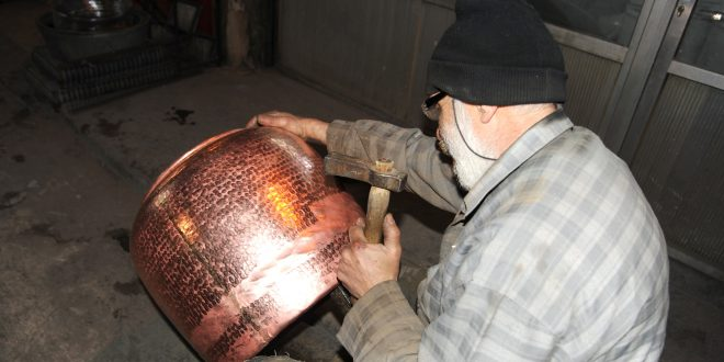 El zoco de Al-Nahasin (zoco de artesanía de cobre)
