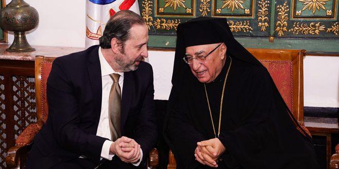 Por encargo del presidente al-Assad, el ministro Azzam visita a los representantes de las comunidades cristianas y los felicita por las Pascuas
