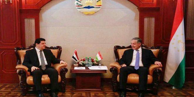 El canciller de Tayikistán reafirma el apoyo de su país a Siria en su guerra contra el terrorismo