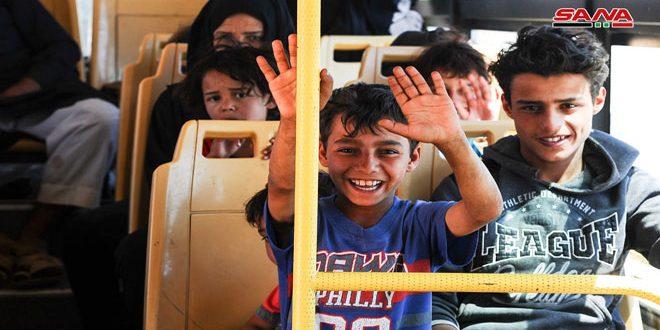 Continúa el retorno de refugiados y desplazados a sus hogares en las zonas liberadas del terrorismo