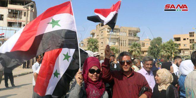 Habitantes de Deir Ezzor celebran victorias del ejército sirio