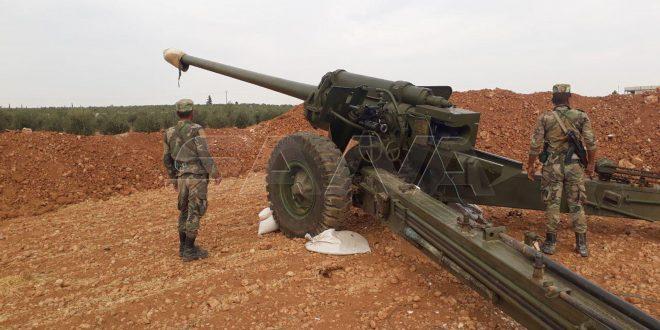 SANA acompaña al ejército en una de sus unidades de artillería cerca de Manbej