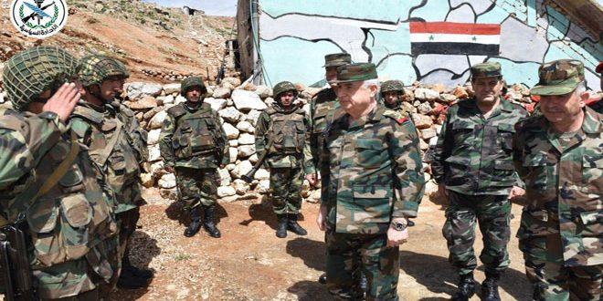 Ministro de Defensa visita posiciones de avanzada del ejército sirio en la Región Sur