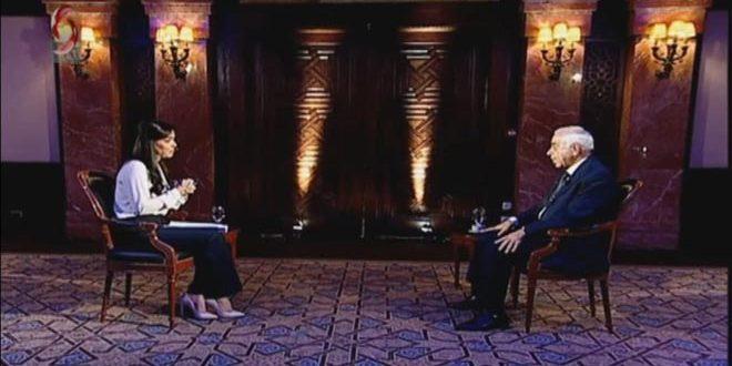 El candidato presidencial Abdullah Salloum Abdullah habla de su programa electoral