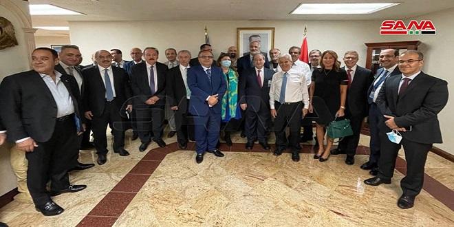 Canciller al-Mekdad se reúne con grupo de la colectividad siria en EEUU