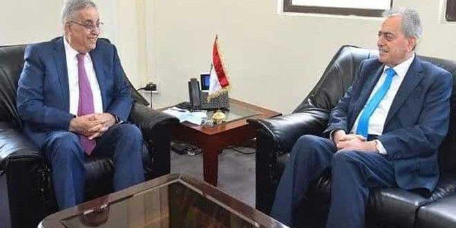 Canciller libanés examina con el Embajador sirio vías de desarrollar cooperación en materia económica