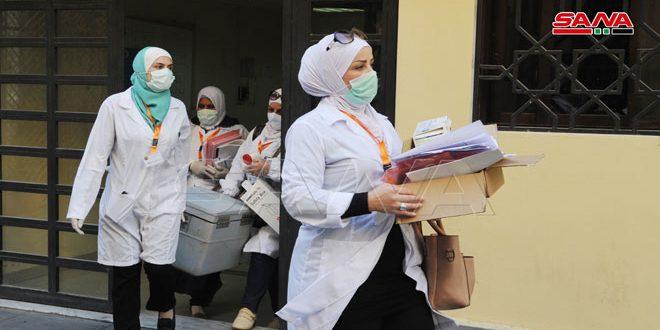 Salud envía equipos móviles a instituciones estatales para inmunizar contra covid-19 (+fotos)