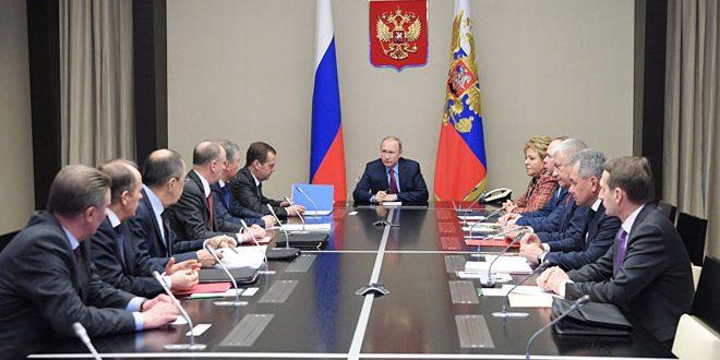 نشست پوتین و اعضای شورای امنیت روسیه درباره مقدمات نشست گفتگوی ملی سوریه در سوچی