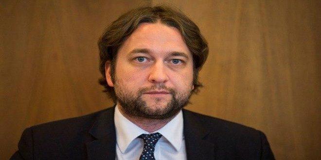 یک نماینده پارلمان اسلواکی: ادامه اقدامات اجباری اقتصادی یکجانبه اعمال شده توسط غرب علیه سوریه جنایت علیه بشریت است