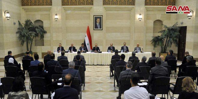 نشست نخست وزیر با اعضا و سران اتاق های صنعت و بازرگانی