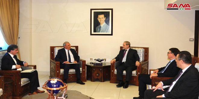 فیصل المقداد به معاون نخست وزیر فلسطین: مبارزات مشترک ما علیه سیاست های آمریکا و اسرائیل، ضامن بازپس گیری حقوق است