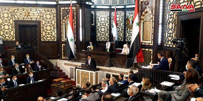 ادامه برگزاری اولین جلسه پارلمان جدید سوریه/ بقیه اعضای پارلمان سوگند یاد میکنند